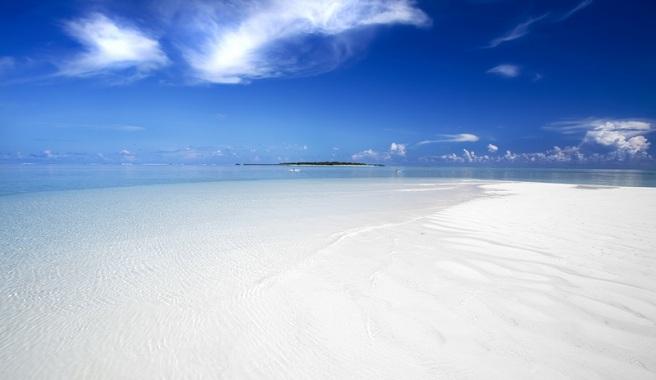 Hyams-Beach-la-playa-con-la-arena-mas-blanca-del-mundo