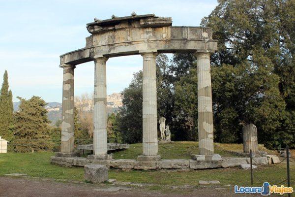 villa-adriana-tivoli-templo
