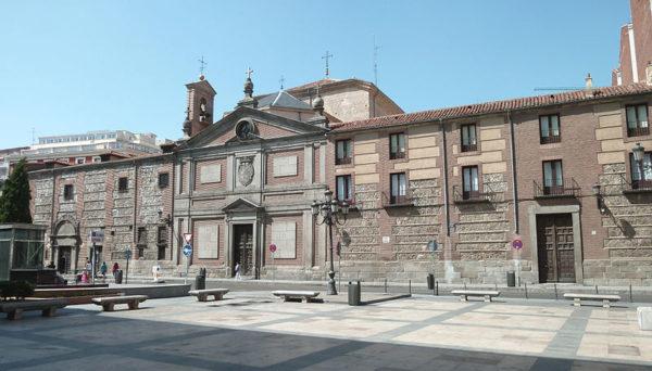 800px-Monasterio_de_las_Descalzas_Reales_(Madrid)_08