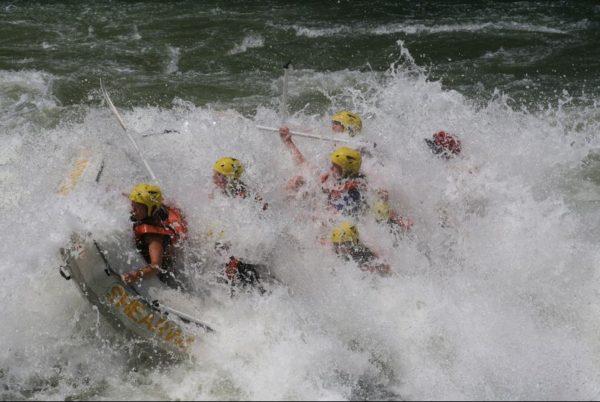 cataratas-victoria-rafting