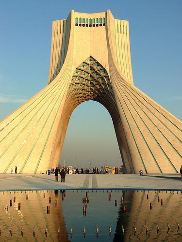 cultura-persa-torre-libertad