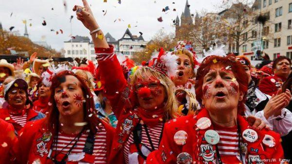 carnaval-de-colonia-2016-alemania-desfile
