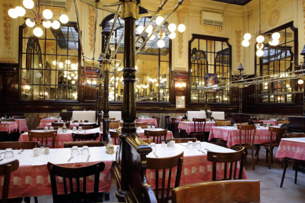 donde-comer-barato-en-paris-los-10-restaurantes-buenos-chartier