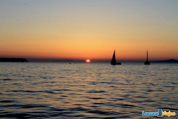 atardecer-santorini-barco