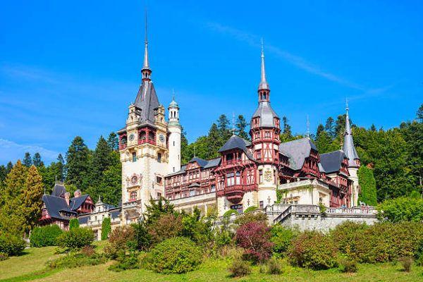 Transilvania turismo de leyenda en rumania castillo de peles