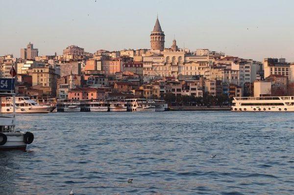 ciudades-mas-baratas-para-viajar-por-europa-estambul-pixabay