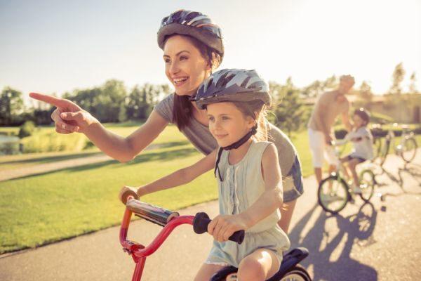 que-hacer-en-madrid-con-ninos-bicicleta-istock