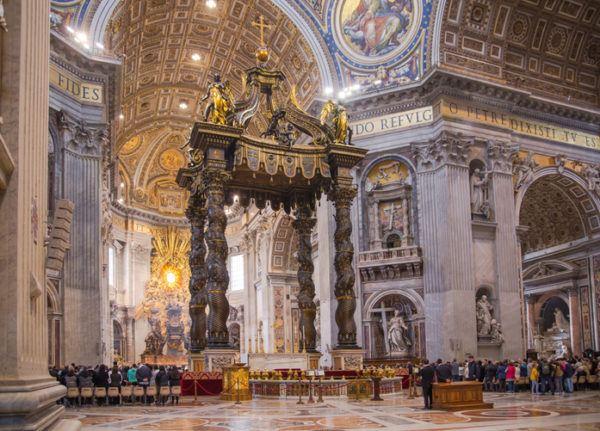 Basilica san pedro interior