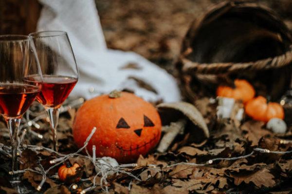 Una noche de halloween inolvidable que necesitas ella