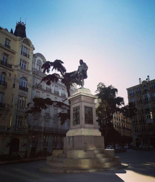 EStatua de Cervantes Barrio de las Musas en Madrid