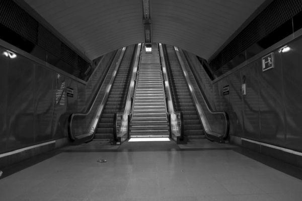 Estacion de sol madrid escaleras