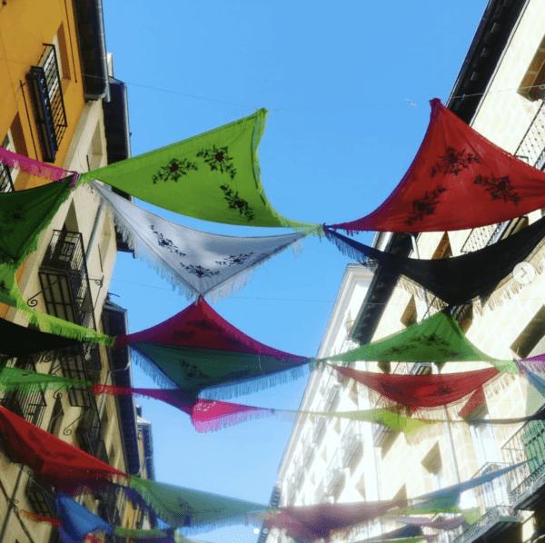 Fiestas de la Paloma 2021 en Madrid: origen, cuándo es y las mejores formas para celebrarlo adornos calles