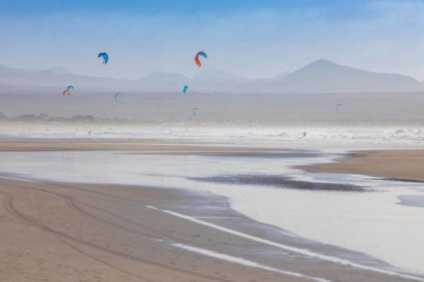Mejores playas para practicar surf playa famara