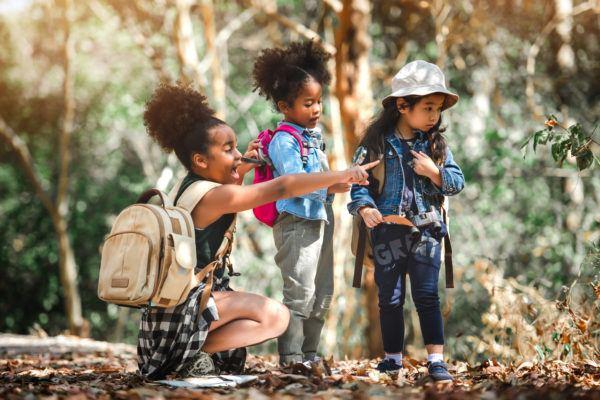 Planes cumpleaños niños aire libre  senderismo