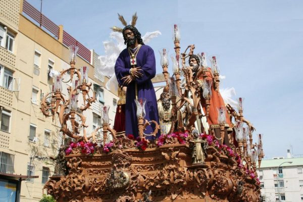 semana-santa-en-malaga-2014-imagen-bendición-Nuestro-Padre-jesús-Cautivo,