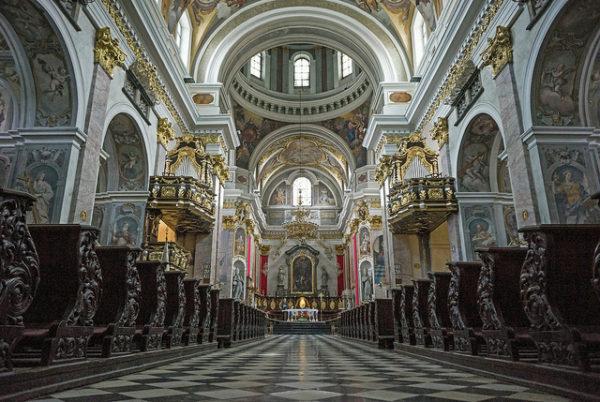 ljubljana-la-sorprendente-capital-de-eslovenia-catedral-de-san-nicolas