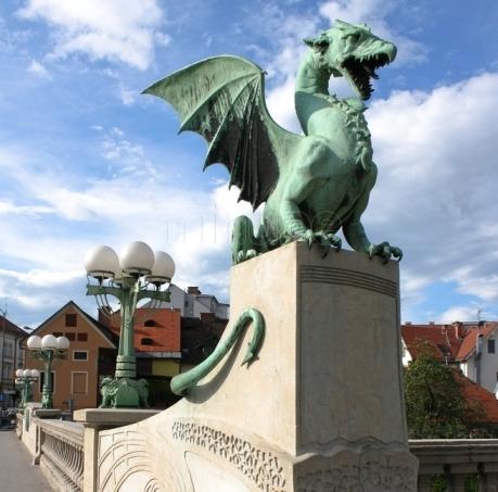 ljubljana-la-sorprendente-capital-de-eslovenia-el-puente-de-los-dragones