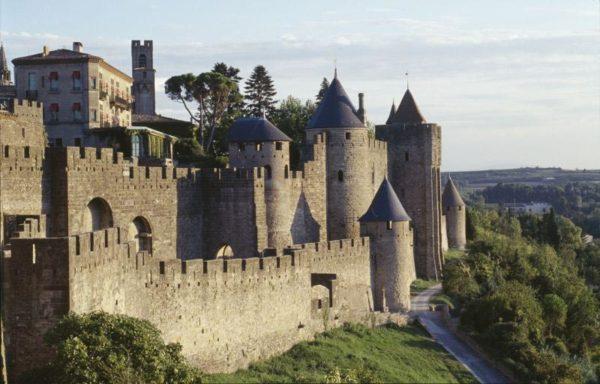 carcassone-un-castillo-perdido-en-francia-exterior