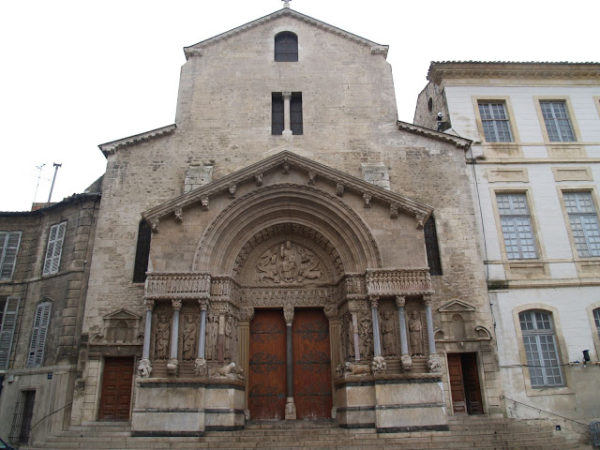 arles-romanos-en-francia-MONUMENTOS-Iglesia-de-San-Trófimo