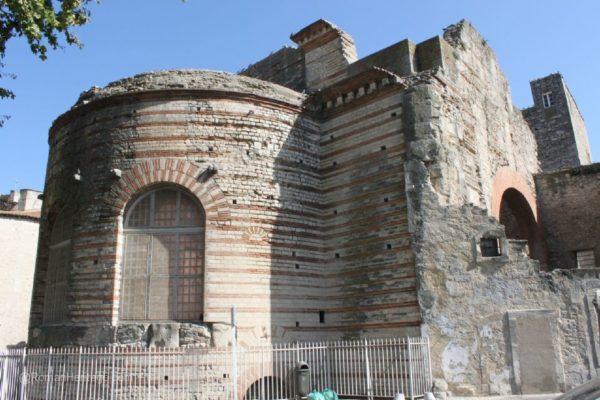 arles-romanos-en-francia-MONUMENTOS-termas-de-constantino