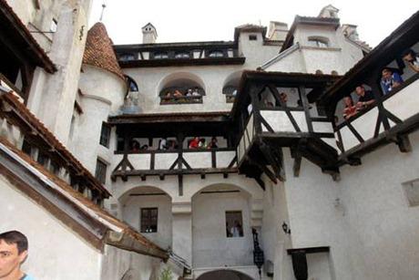 Castillo de Drácula interior