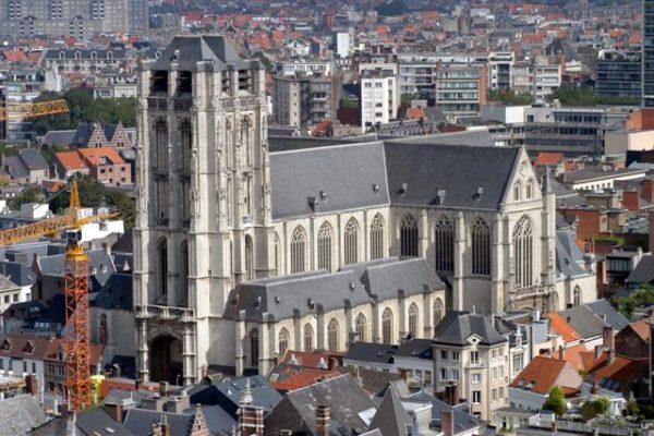 las-principales-ciudades-de-belgica-amberes-iglesia-de-santiago