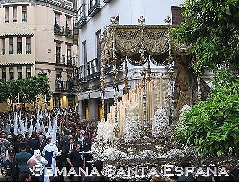 2018753-Semana_Santa_Holy_Week-Sevilla