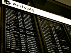 Menores que viajan solos en avión