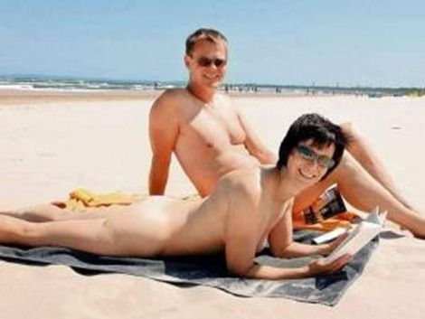 51991-beach_german_polish_border_nudist_germans_one_side_catholic_poles_side_join