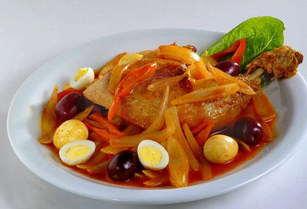comidas-tipicas-de-bolivia-escabeche-de-pollo