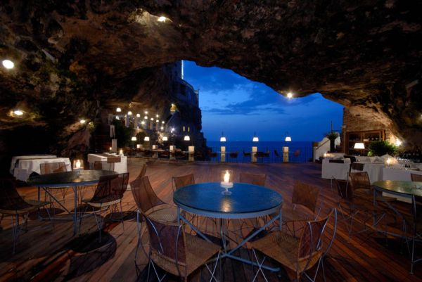 restaurant-inside-a-cave-cavern-itlay