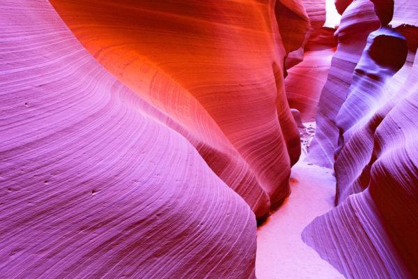 27-lugares-que-habria-que-visitar-antes-de-morir-Cañón-Antílope-Arizona-Estados Unidos