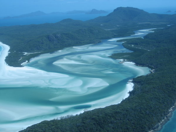 27-lugares-que-habria-que-visitar-antes-de-morir-Playa-Whitehaven-isla-Whitsunday-Australia