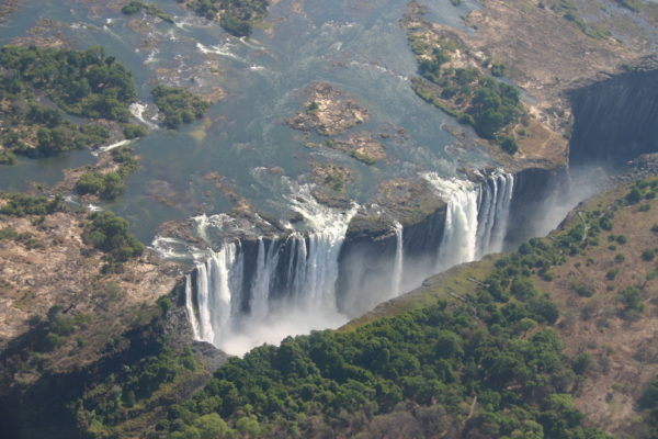 27-lugares-que-habria-que-visitar-antes-de-morir-cataratas-victoria-zimbabwe-zambia-africa