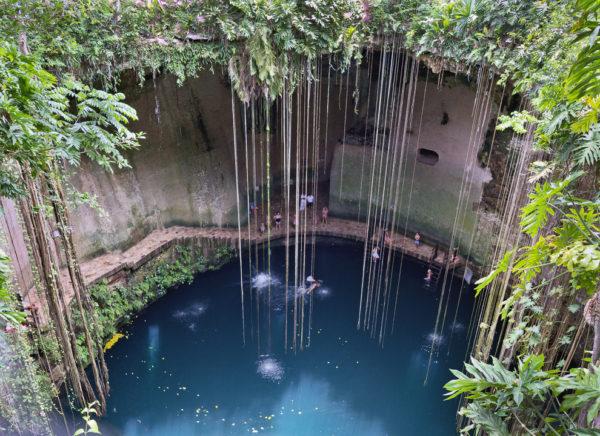27-lugares-que-habria-que-visitar-antes-de-morir-cenotes-peninsula-yucatan-mexico