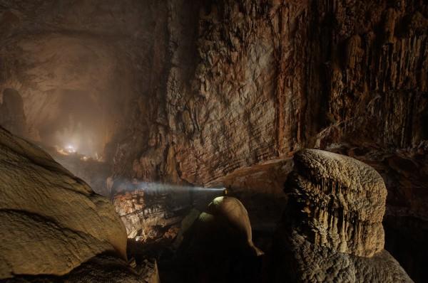 27-lugares-que-habria-que-visitar-antes-de-morir-cueva-hang-soo-dong-vietnam
