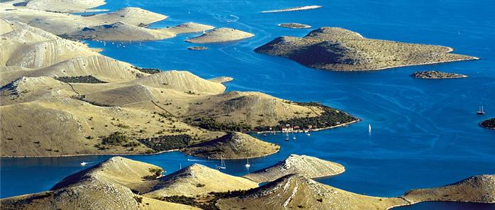 el-parque-nacional-de-plitvice-en-croacia-un-paraiso-de-lagos-cascadas-y-bosques-parque-kornati-croacia