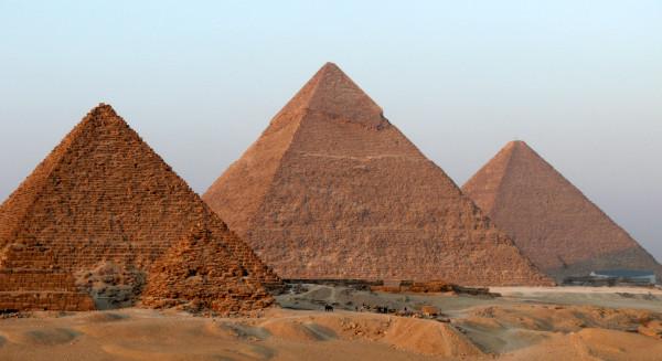 las-piramides-de-gizeh-egipto