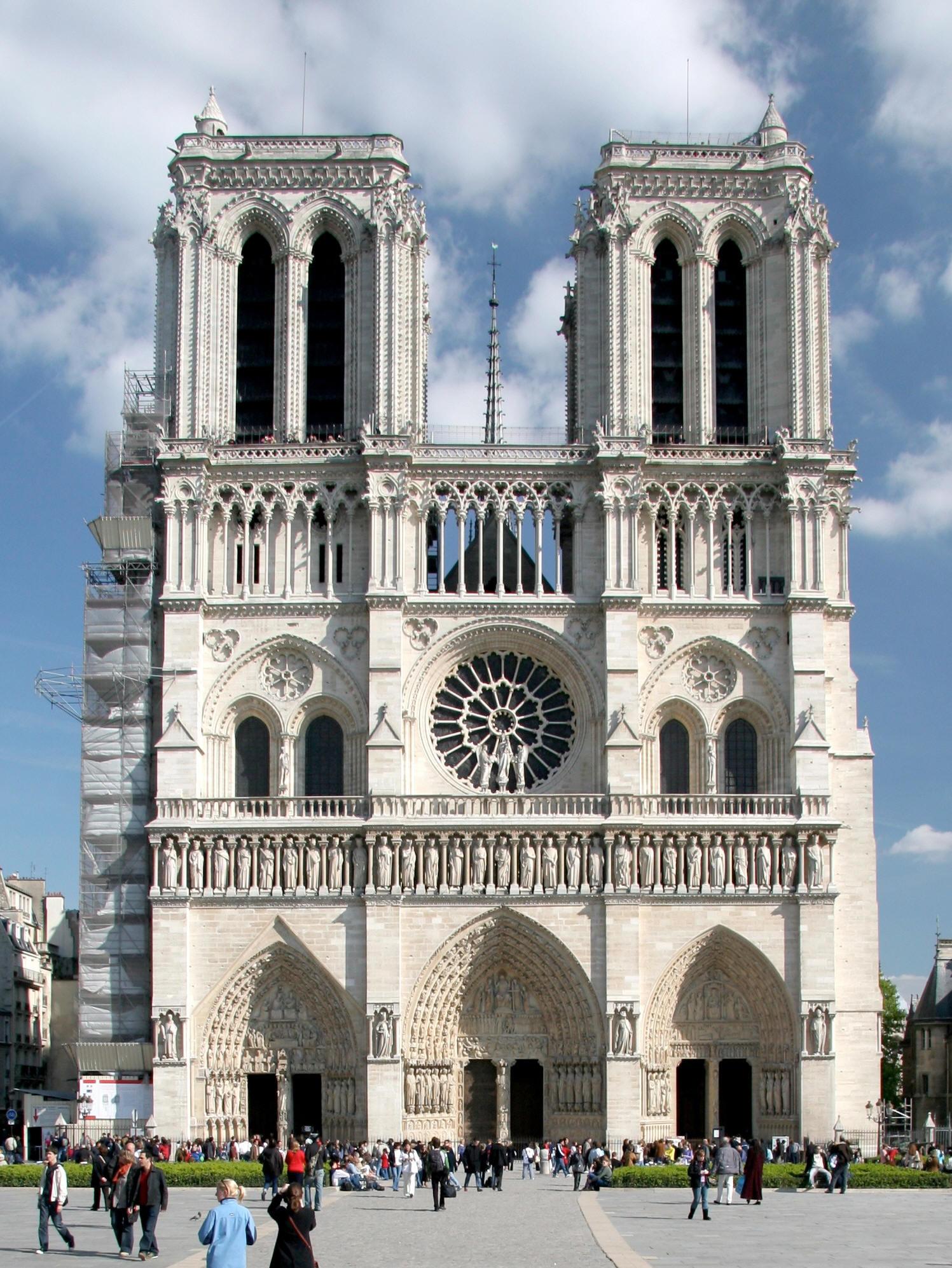 19-lugares-de-paris-que-visitar-historia-y-monumentos-Catedral-de-Notre-Dame