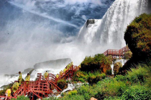 las-cataratas-del-niagara-cueva-vientos