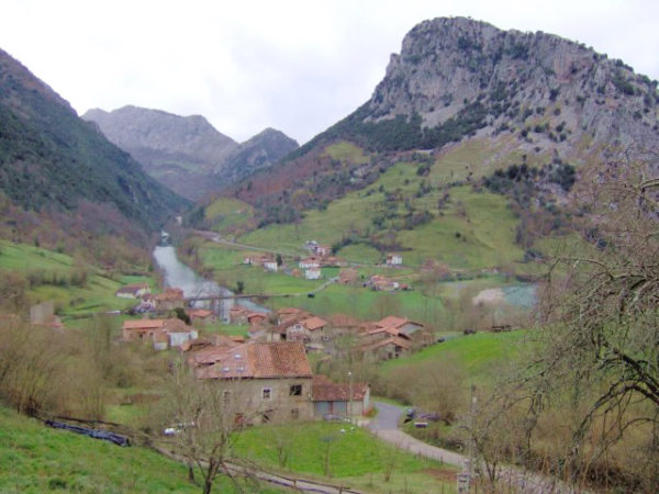 turismo-rural-en-verano-2014-pellamañera-alta-asturias