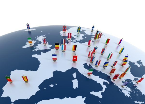 Mapa politico europa con banderas
