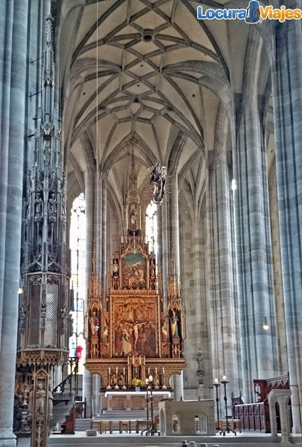 Dinkelsbühl-St-George-Church-retablo