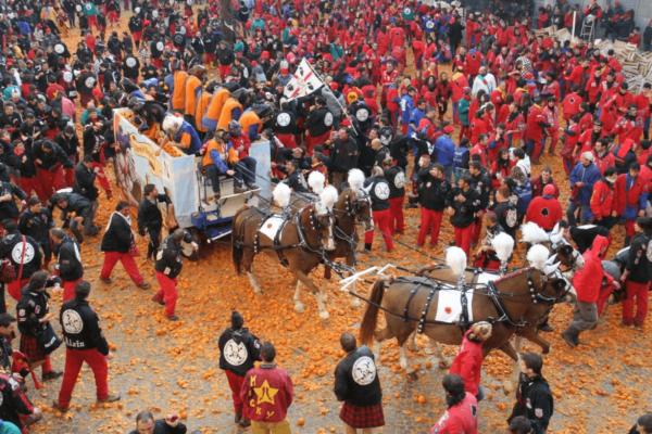 carnaval-ivrea-naranjas