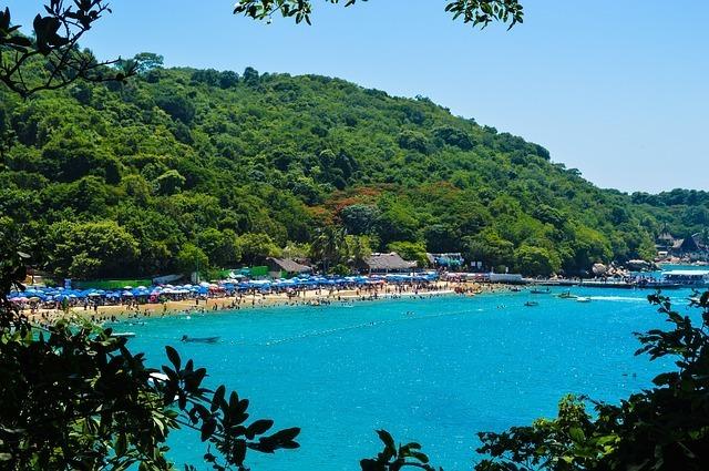playa-roqueta-en-acapulco