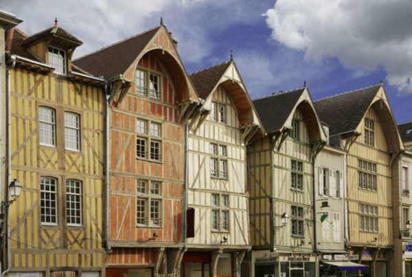Ciudades medievales de francia troyes for Maison bois troyes