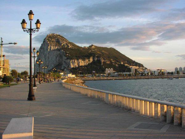 requisitos-viajar-gibraltar-paseo