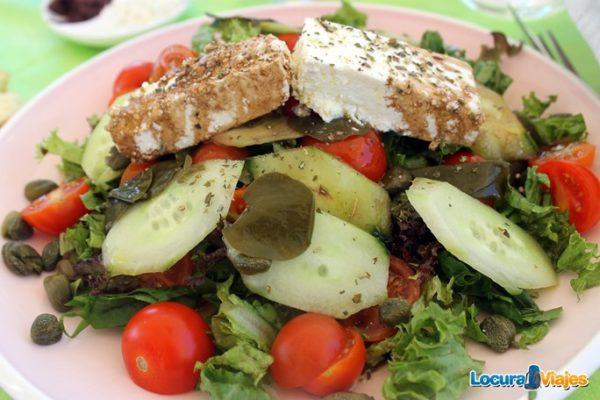 comer-santorini-ensalada-santorini