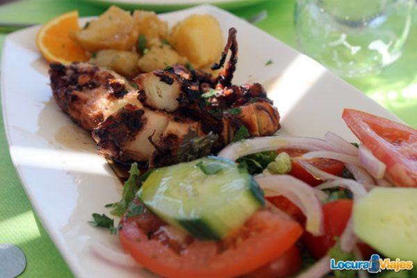 comer-santorini-pulpo-parrilla