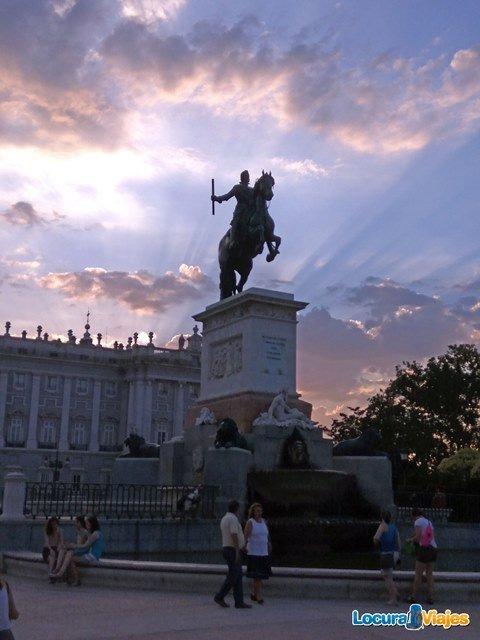 felipe-iv-plaza-oriente-madrid